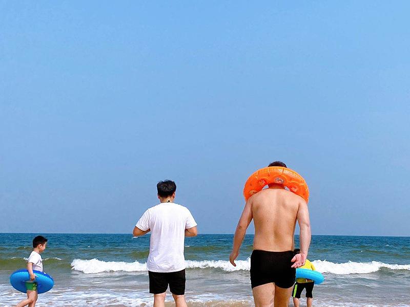 八月日照之旅,来一次惊险刺激的海上冲浪吧!